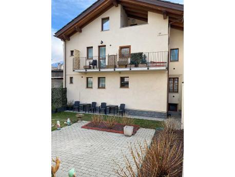 Appartamento trilocale con giardino in Aosta